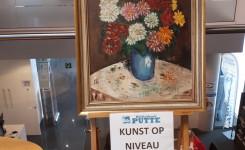 Foto van het kunstwerk van de maand: een stilleven van Rudi Van den Wijngaert