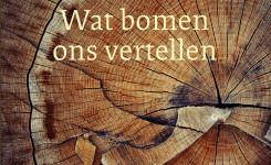 Voorplat van het boek 'Wat bomen ons vertellen', geschreven door Valerie Trouet