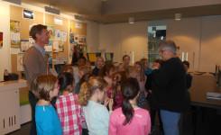 Foto van het klasbezoek van 3B van de Vrije Basisschool Putte