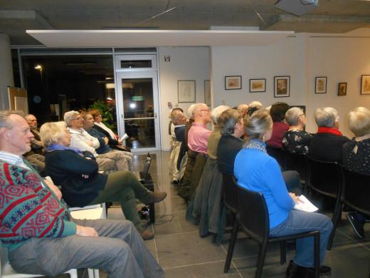 Foto van het publiek van de lezing 'De Belzen komme der oan'