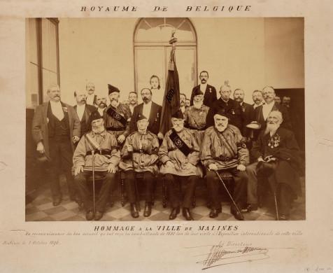 Sepia foto van Mechelse oudstrijders van de Belgische revolutie van 1830.