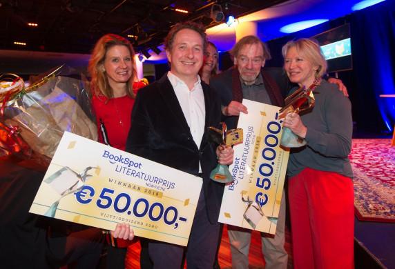 Foto van de winnaars van de Bookspot Literatuurprijs